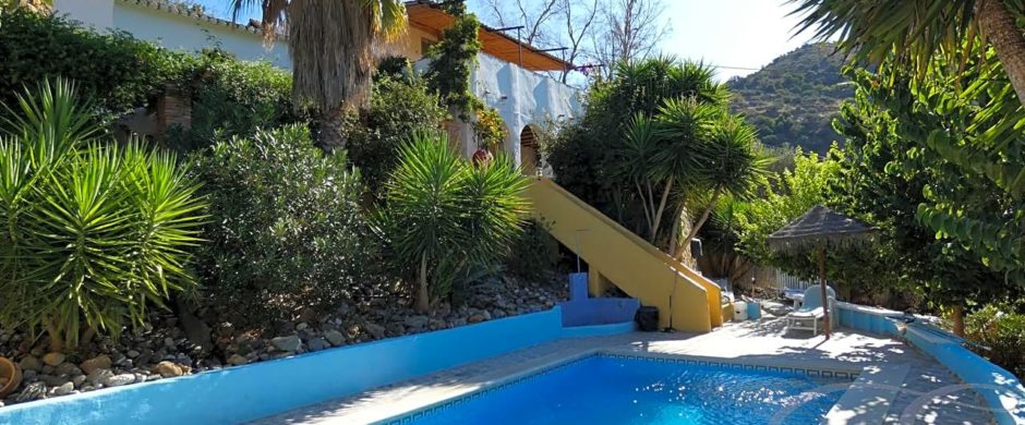 Country House, Detached Villa, Home and Income, Business in Comares – Ref: XL3083